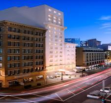 泰姬陵坎普顿广场酒店
