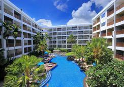 普吉广场蒂瓦娜酒店 - 芭东 - 游泳池