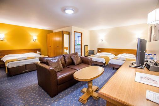 托盖特休憩酒店 - 特倫特河畔斯托克 - 睡房