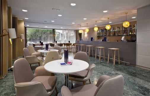 马德里本塔斯nh酒店 - 马德里 - 酒吧