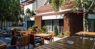 贝斯特韦斯特顶级纳塔里哈住宅酒店 - 贝尔格莱德 - 露台