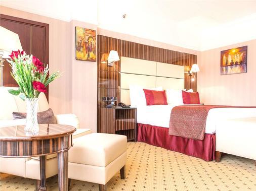 亚的斯亚贝巴金色郁金香酒店 - 亚的斯亚贝巴 - 睡房