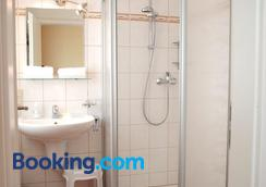 阿尔特斯多克托豪斯酒店 - 维林根 - 浴室