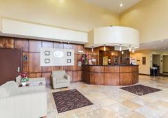 Comfort Suites East - Lincoln - 大厅