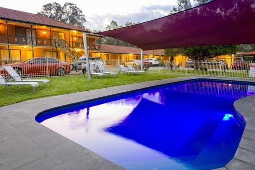 前进汽车旅馆 - 旺加拉塔 - 游泳池