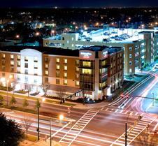 诺福克奥多明尼奥大学春季山丘套房酒店