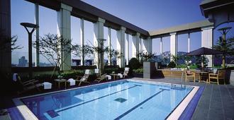 首尔盛捷皇宫服务公寓 - 首尔 - 游泳池