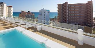 HM 巴兰基拉海滩酒店 - 马略卡岛帕尔马 - 游泳池