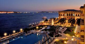 伊斯坦布尔塞拉宫凯宾斯基酒店 - 伊斯坦布尔 - 游泳池