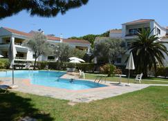 尼基公寓式酒店 - Ialysos - 游泳池