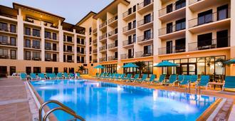 克利尔沃特海滩边缘酒店 - 克利尔沃特海滩 - 游泳池