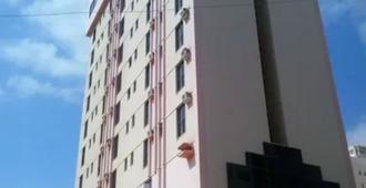 欧夫特广场西酒店 - 戈亚尼亚 - 建筑