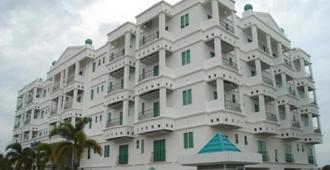 Mciti套房酒店 - 米里 - 建筑