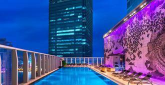 香港W酒店 - 香港 - 游泳池
