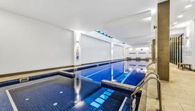 飞马公寓式酒店 - 墨尔本 - 游泳池