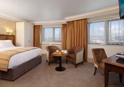 利默里克市酒店 - 利默里克 - 睡房