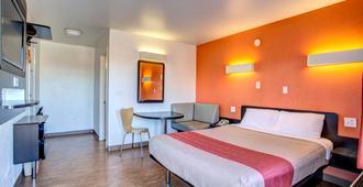 莫夫里斯波洛6号汽车旅馆 - 默夫里斯伯勒 - 睡房