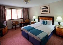 考文垂宫廷Spa酒店 - 考文垂 - 睡房