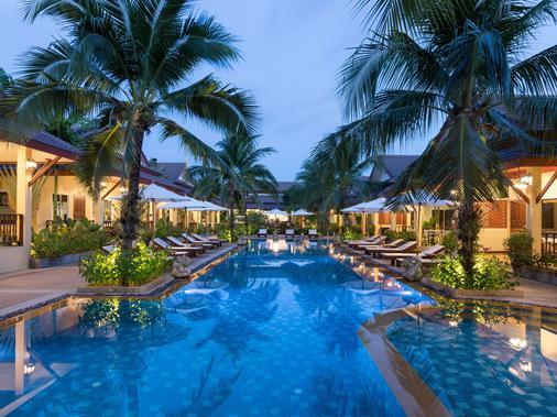 勒比曼度假酒店 - 拉威 - 游泳池