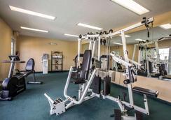 金斯波特优质酒店 - 金斯堡 - 健身房