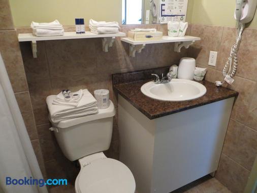 旅游酒店 - 魁北克市 - 浴室