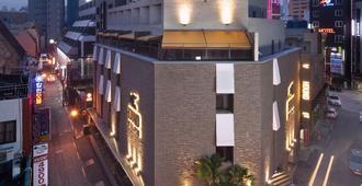 西面猎犬酒店 - 釜山 - 建筑