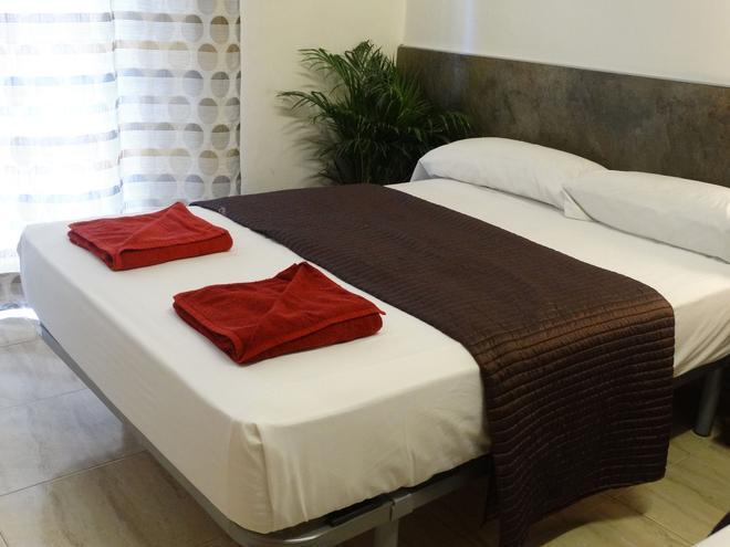 巴塞罗那莎博蒙特旅馆 - 巴塞罗那 - 睡房