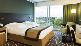 巴里尔里尔吕西安酒店 - 里尔 - 睡房