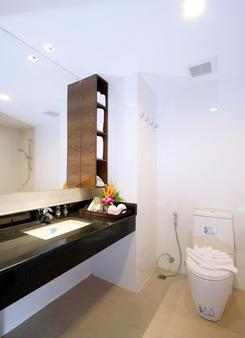 卡马拉海滩度假村酒店 - 卡玛拉 - 浴室