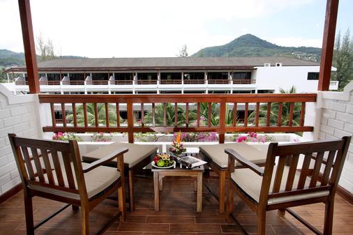 卡马拉海滩度假村酒店 - 卡玛拉 - 阳台