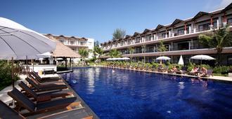 卡马拉海滩度假村酒店 - 卡玛拉 - 游泳池