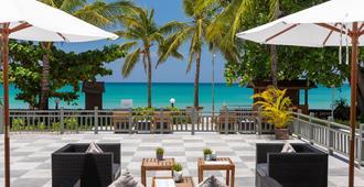 卡马拉海滩度假村酒店 - 卡玛拉 - 露台