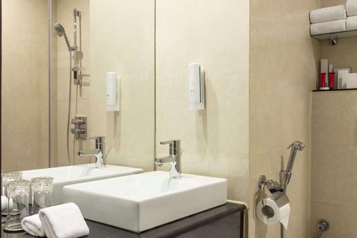 多哈华美达安可酒店 - 多哈 - 浴室