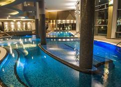 蓝色高级酒店 - 希欧福克 - 游泳池