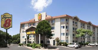北奥斯汀大学区温德姆速 8 酒店 - 奥斯汀 - 建筑