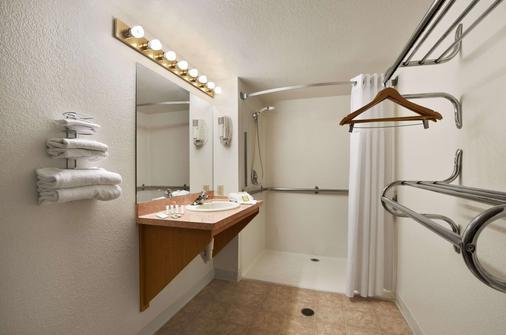 北奥斯汀速8酒店 - 奥斯汀 - 浴室