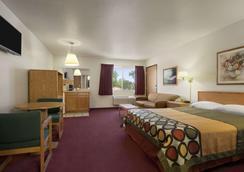 北奥斯汀-大学区速8酒店 - 奥斯汀 - 睡房