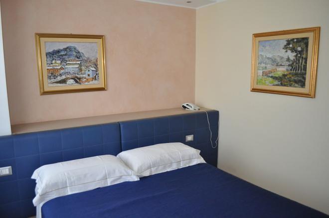 伊赫亚酒店 - 帕多瓦 - 睡房