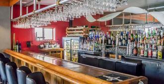 彭萨科拉湾景品质酒店及套房 - 彭萨科拉 - 酒吧