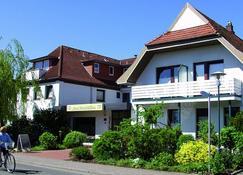 摩尔根斯尼加尼酒店 - 比苏姆 - 建筑