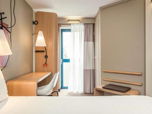 宜必思巴黎蒙帕纳斯火车站15区酒店 - 巴黎 - 睡房