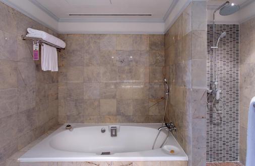 苏阁索酒店 - 曼谷 - 浴室