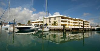 海洋礁石游艇俱乐部及度假村 - 弗里波特