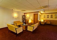 罗马机场贝斯特韦斯特酒店 - 菲乌米奇诺 - 休息厅