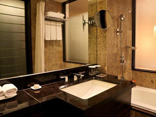 釜山乐天酒店 - 釜山 - 浴室