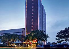 宜必思加丁塞尔彭酒店 - 当格浪 - 建筑