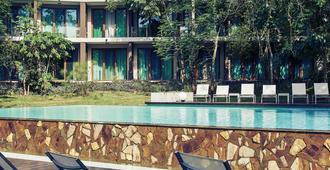 伊瓜苏美居伊露酒店 - 伊瓜苏 - 游泳池