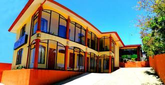 圣塔菲酒店民宿 - 蒙特韦尔德 - 建筑