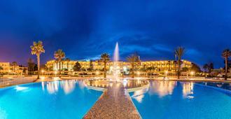 皇家哈马马特酒店 - 哈马迈特 - 游泳池