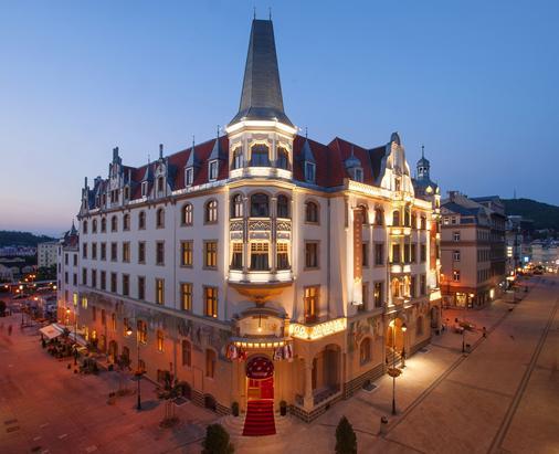安巴萨多纳罗迪德酒店 - 卡罗维发利 - 建筑